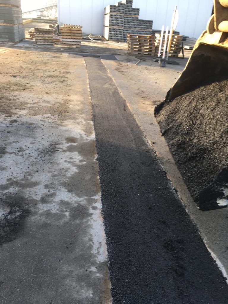 Aménagements des abords - Tranchée - Asphaltage - Nouvel égouttage - Canalisations - Tournai