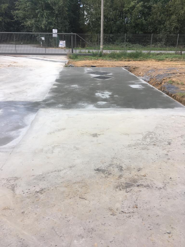 Aménagements des abords - dalle en béton armé  - Terrassement - Nouvel égouttage - chambre de visite - fosses - citernes - Tournai
