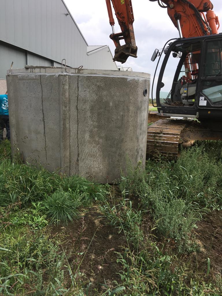 Installation d'une citerne d'eau de pluie et d'une chambre de visite - Égouttage - canalisations -  Curage de fossés et cours d'eau - province de Hainaut - Tournai- Mouscron -Charleroi - Mons