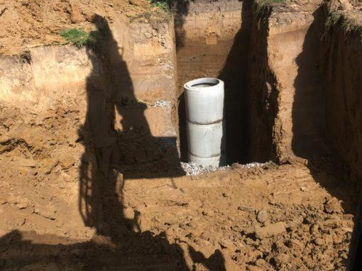 pose citerne et chambre de visite  - puits - fosses septiques -regards - pose citerne d'eau de pluie et chambre de visite - Installation d'une citerne d'eau de pluie et d'une chambre de visite - Égouttage - canalisations -  Curage de fossés et cours d'eau - province de Hainaut - Tournai- Mouscron -Charleroi - Mons