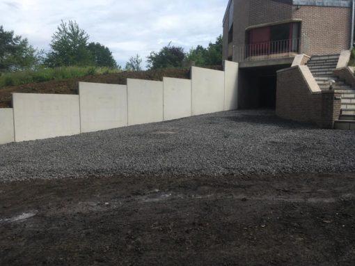 Aménagements des abords - voies d'accès - garage - élément en forme de L en béton - terrassement - Mouscron
