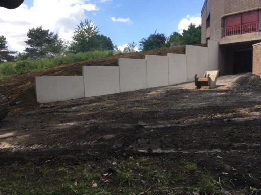 pose de L en béton  - Aménagements des abords - parking - voies d'accès au garage - élément en forme de L en béton - terrassement - Mouscron