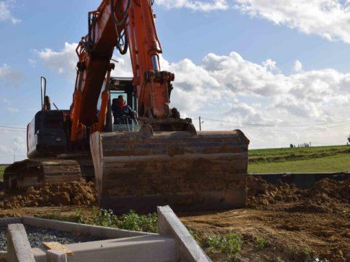 Travaux de terrassement  - grue -  pelleteuse -  tractopelle  - pelle mécanique - Entreprise de terrassement - creuser les fondations - Tournai - Mons - Dour - Mouscron - Perulwez - Charleroi